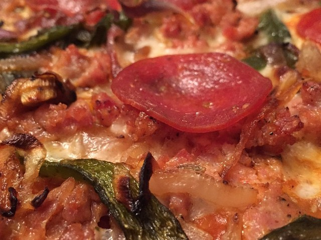 """[chicagogram] Pizza #3 Chef's Special """"Heirloom Garden Sauce, Poblano Rajas, Carmelized Onion, Italalian Sausage, Pepperoni & a Three Cheese Pizza! Go Badgers!! #wisconsincheese #pizza #Chicago #chicagogood #chicagofood #chicagogood #chicagogram #chi"""