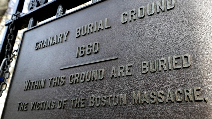 Plaque at the entrance to the Granary Burial Ground in Boston