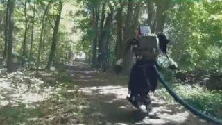 Boston-Dynamics-Atlas-Robot-outside