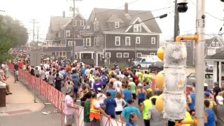 Falmouth Road Race 2019 amateur runners going thru falmouth