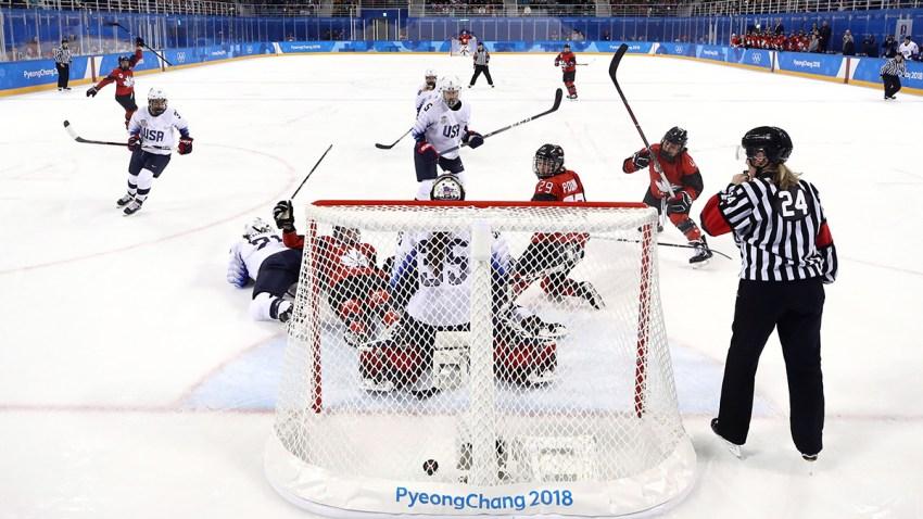 775095604MD00033_Ice_Hockey