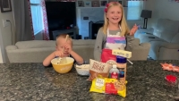 New England Shares – Brother and Sister Duo Baking Nahnee's Favorite Blondies