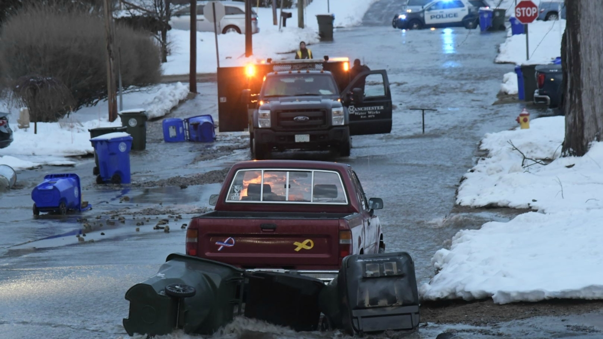Water Main Break in New Hampshire Floods Streets