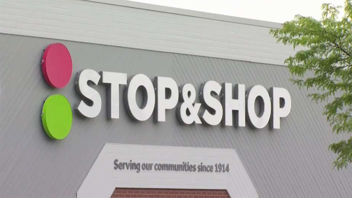 Employees to Call on Stop & Shop to Restore Hazard Pay Amid Coronavirus Pandemic