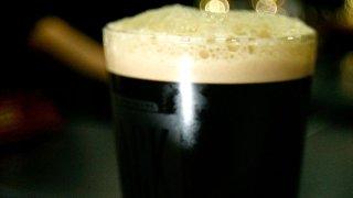 Pint-Beer-Crop-82183106
