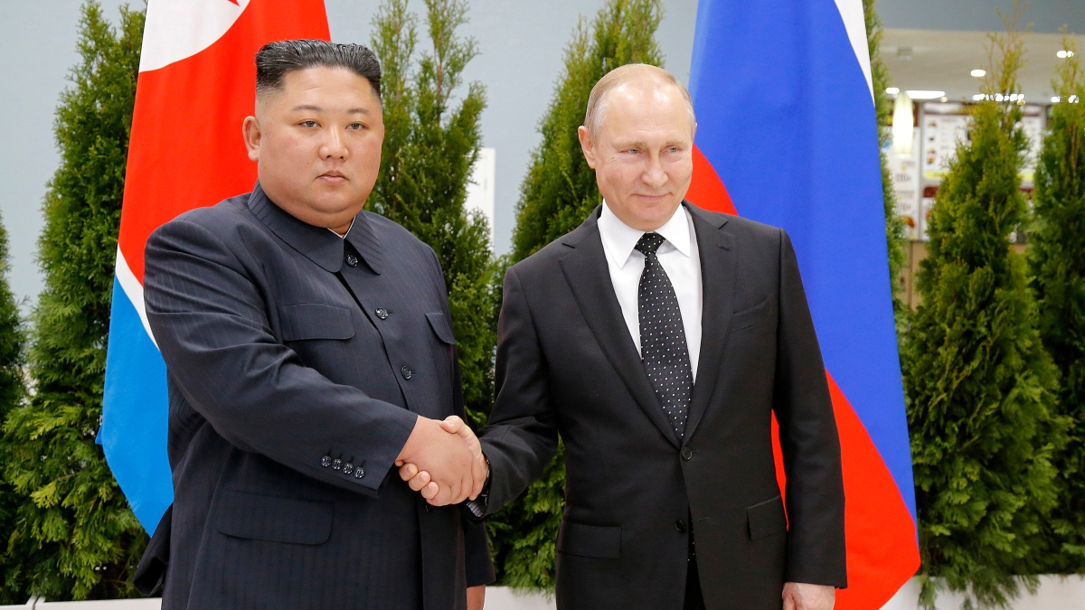 Putin Awards Commemorative WWII Medal to Kim Jong Un – NBC Boston