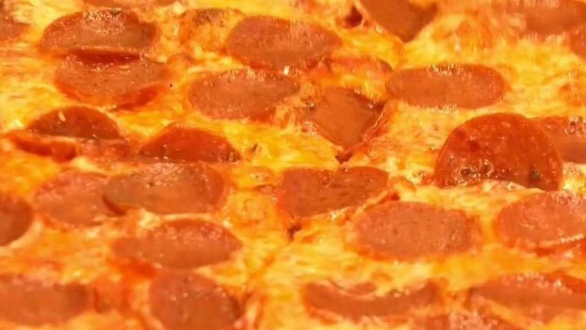 Regalan_pizza_a_empleados_federales_durante_cierre
