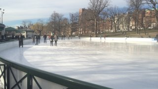 Vacation Week Frog Pond Boston Common