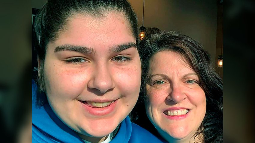 Anna Mandh, left, and her mother, Darlene Gildersleeve, in Concord, N.H.