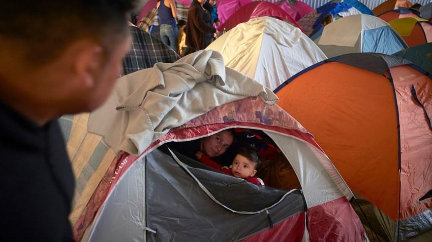 APTOPIX US Mexico Asylum