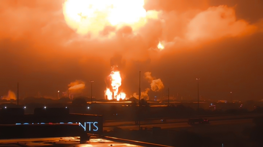 big oil refinery explosion in philadelphia