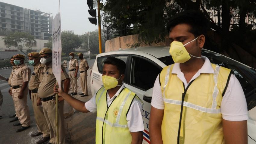 APTOPIX India Toxic Air