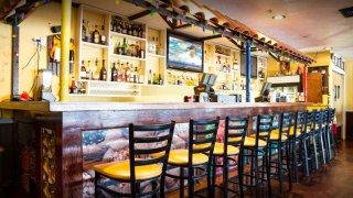 napoles-restaurant-east-boston-fuytbol-tlmdni