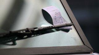parking-ticket-windshield