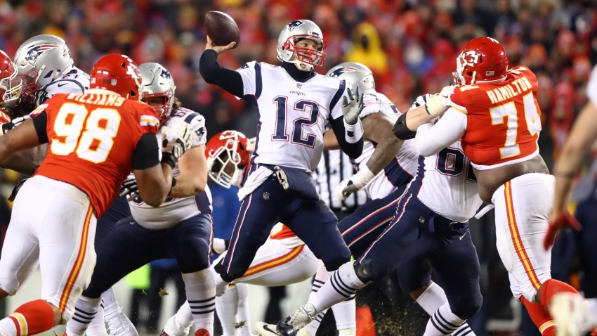 [NBC Sports] Fan who shined laser at Tom Brady reportedly caught, banned from Arrowhead Stadium