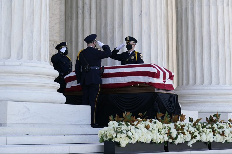 Photos: Americans Mourn Supreme Court Justice Ruth Bader Ginsburg