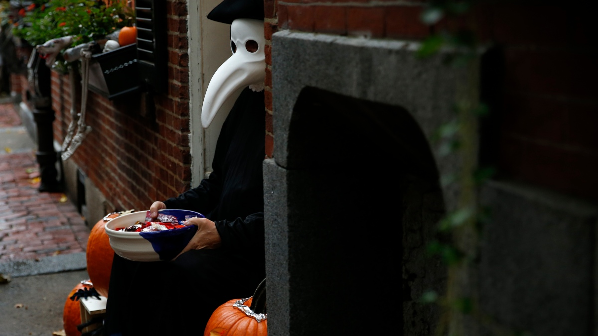 Halloween Town Schedule 2020 In Mass Trick or Treating 2020 Massachusetts: Is Halloween Canceled? – NBC