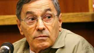 """Stephen """"The Rifleman"""" Flemmi, a jailed Boston mob leader, testifies Monday, Sept. 22, 2008 in a Miami courtroom in the murder trial of former FBI agent John Connolly."""