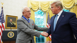 Celtics Legend Bob Cousy Receives Presidential Medal of Freedom