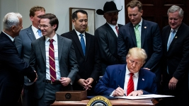 Trump Outstripping Obama on Pace of Executive Orders