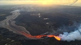 Hawaii Searches for Safe Spots for People to See Lava