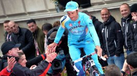 Italian Cyclist Scarponi Dies After Hit by Van