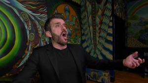 Strega's Singing Waiter