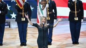 Fergie Apologizes for NBA All-Star National Anthem