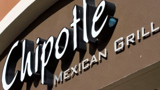 Chipotle Seeks to Win Back Customers After E. Coli Outbreak