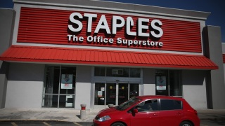 Staples Shares Jump on Media Report of Sale Talks