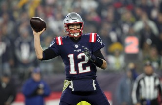 Tom Brady Is First Ever to 80,000 Total Yards