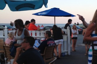 Barefoot Bob's Beach Grill in Hull Has Apparently Closed