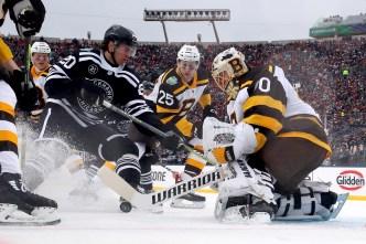 Bruins Beat Blackhawks 4-2 in Winter Classic