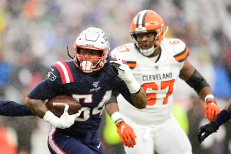 Patriots Roll Browns, Move to 8-0