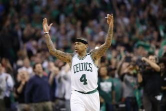 Ex-Celtic Isaiah Thomas Plays Pickup With Emerson Students