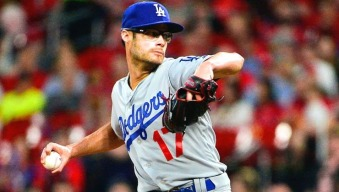 Fans Salute Former Red Sox Reliever Joe Kelly in His Fenway Return With Dodgers
