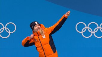 Medal Ceremony: Netherlands Adds 5000m Gold to Medal Count