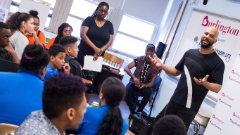 Rapper Common Surprises Students at NY School, Donates Money