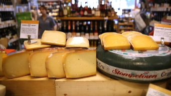 US Tariffs on EU Goods Would Include Cheese, Wine, Aircraft