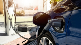Utilities, Automakers Collaborating to Power Plug-In Cars