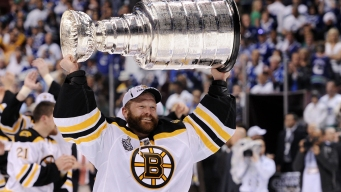 Bruins' Tim Thomas Heading to US Hockey Hall of Fame