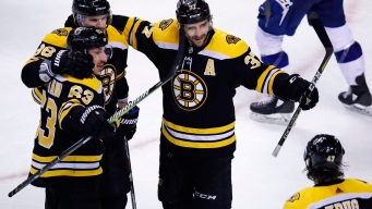 Bruins Overtake Lightning Atop Standings With Win