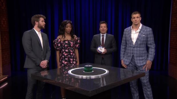 [NATL] 'Tonight': Catchphrase With Liam Hemsworth, Rob Gronkowski and Jessica Williams
