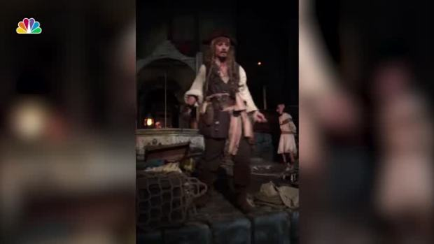 [NATL] Johnny Depp Surprises Disneyland Guests in Full Costume