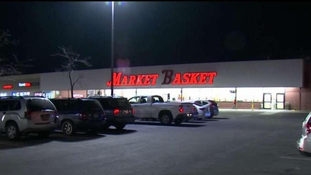 [NECN] Man Accused of Trying to Kidnap Woman in Market Basket