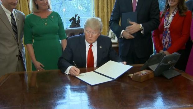 [NATL] Trump Rolls Back Wall Street Regulations