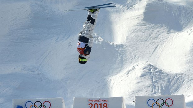 Troy Murphy Qualifies for Medal Round in Moguls