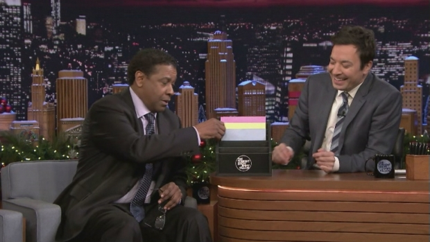 'Tonight': Denzel Washington Dramatically Reads Cards