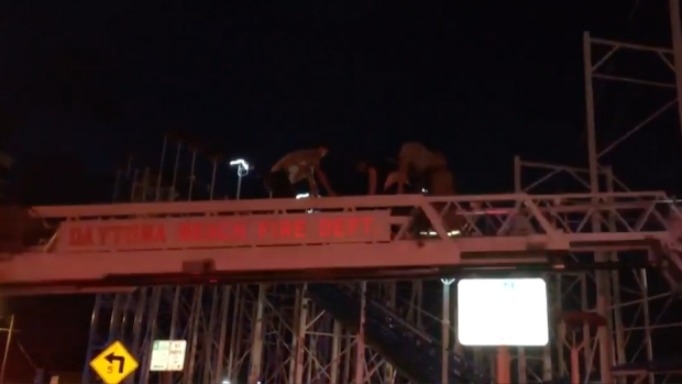 [NATL] Fire Dept Rescues Stranded Riders After Roller Coaster Derails in Daytona Beach