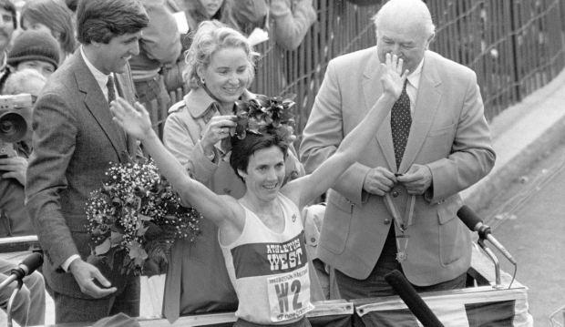 Joan Benoit Samuelson Making a Marathon Comeback